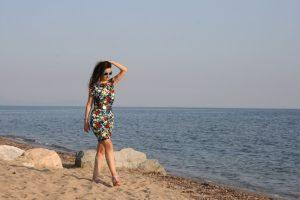 Tatin Giannaro findet Ideen im Sommerkleid von Aik Spyrido