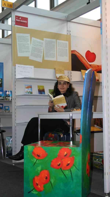 Buchmesse 2009 Tatin Giannaro liest an ihrem Stand